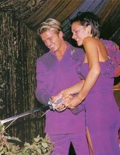 Retour en arrière de 15 ans pour Victoria Beckham qui partage cette photo d'elle et David pour leurs anniversaire de mariage. http://www.elle.fr/People/La-vie-des-people/News/Les-Instagram-de-la-semaine-Cara-Delevingne-enceinte