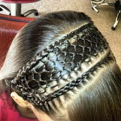 This is some amazing braiding! Little Girl Hairstyles, Down Hairstyles, Pretty Hairstyles, Braided Hairstyles, Ash Blonde Ombre Hair, Cool Hair Designs, Girl Hair Dos, Cool Braids, Natural Hair Styles