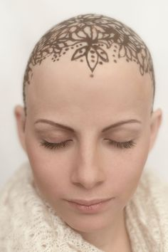 How Women Are Using Henna To Embrace Their Baldness