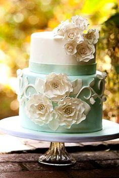 Exquisite Mini Wedding Cakes For Your Inspiration ★ See more: https://www.weddingforward.com/mini-wedding-cakes/4