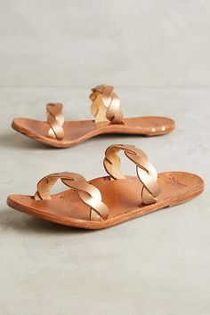 Slide View: 1: Beek Pipit Sandals