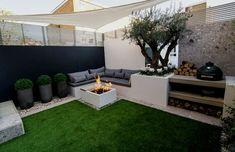 Patio and Outdoor Living Space Design Ideas Back Garden Design, Patio Design, Modern Garden Design, Terrace Garden, Garden Seating, Backyard Patio, Backyard Landscaping, Barbacoa Jardin, Townhouse Garden