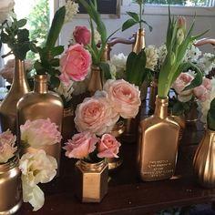 Gold glorious gold #lovemyjob #letsdesign #ocevents #destinationweddings #newportweddings #myweddingday #florals #gold #fly_bride
