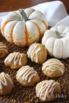 Glazed Pumpkin Cookies - pillowy pumpkin spice cookies with vanilla glaze, the best pumpkin cookies!
