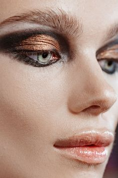 Disco eye makeup at NYFW F/W17: Brandon Maxwell
