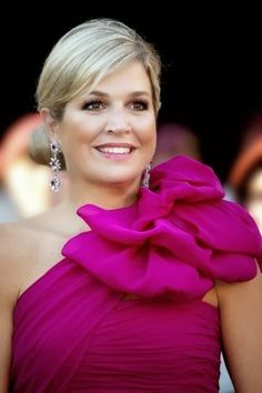Princess Maxima of the Netherlands...loves bright colors, and I do too!