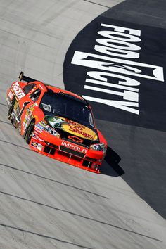 Jamie McMurray Photos - Jamie McMurray drives the Bass Pro Shops Chevrolet during practice for the NASCAR Sprint Cup Series Food City 500 at Bristol Motor Speedway on March 2010 in Bristol, Tennessee. Nascar Shop, Nascar Race Cars, Nascar Sprint Cup, Las Vegas Motor Speedway, Bristol Motor Speedway, Racing News, Auto Racing, Jamie Mcmurray, Stock Car