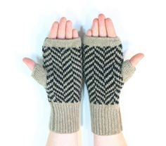 Gloves Fingerless Gloves Chevron Wool van ArticleApparel op Etsy, $47.00