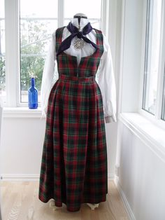 Lindas Rutastakk fra Valdres Ol, Norway, Scandinavian, All Things, Two Piece Skirt Set, Traditional, Costumes, Skirts, Inspiration