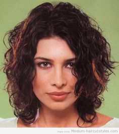medium length curly hairstyles for round faces (2)