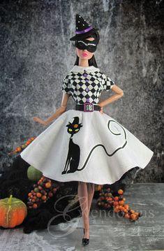 Doll Divas: Halloween for theme. Barbie Halloween, Halloween Socks, Halloween Fashion, Halloween Dress, Halloween Outfits, Barbie Wedding Dress, Barbie Dress, Doll Dresses, Doll Clothes Barbie