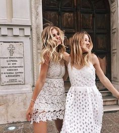 Inspiring image beauty, best friends, besties, clothes, dresses by Bobbym - Resolution - Find the image to your taste Besties, Bestfriends, White Lace, White Dress, Estilo Cool, Looks Street Style, Mode Style, Dress Me Up, New York Fashion