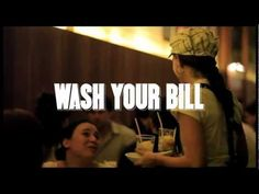 Scotch-Brite puso en marcha una campaña en varios restaurantes de la ciudad de São Paulo, cuando las personas pedían la cuenta decidian si preferian pagar o lavas los platos. Duración 1,41 minutos