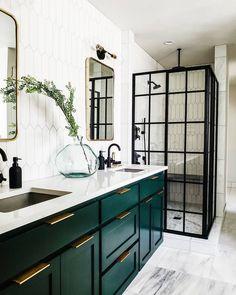How beautiful is this bathroom! Love the green cabinets! #regram @craven_haven ...#badrum #badruminspo #bathroom #bathroomdecor #bathroomdesign #bathroomsofinstagram #decor #detailshot #detaljer #hem_inspiration #heminredning #heminspiration #homestyling #inredning #inredningsdetaljer #inredningsinspiration #inredningstips #interior #interior123 #interior4all #interiordesign #interiorforinspo #metromode #metromodehome #regram #skönahem