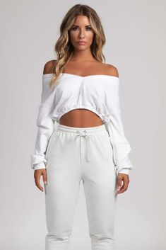 ec82b9999c1fd Brianna Wide V-Neck Cropped Jumper - White - MESHKI Gucci Pouch, Evening  Outfits
