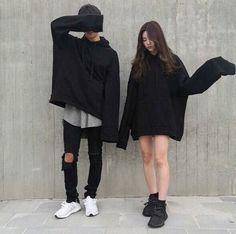 17 Ideas For Fashion Korean Couple Ulzzang Ulzzang Fashion, Asian Fashion, Trendy Fashion, Fashion Outfits, Punk Fashion, Ootd Fashion, Girl Fashion, Matching Couple Outfits, Matching Couples