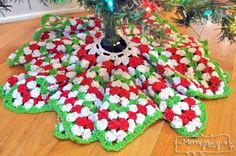 Crochet Christmas Tree Skirt Pattern - Granny Stitch Star