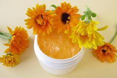 Egyszerű és olcsó körömvirág krém recept! - Zöld Újság Cantaloupe, Healthy Lifestyle, Fruit, Green, Handmade, Beauty, Food, Natural, Facial Exercises
