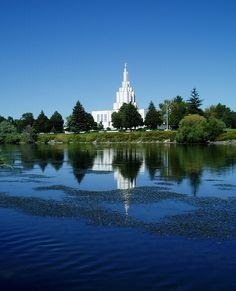 Idaho Falls LDS Temple from across the river, Idaho, USA Lds Temple Pictures, Church Pictures, Mormon Temples, Lds Temples, Mormon Beliefs, Idaho Falls Temple, Later Day Saints, Temple Gardens, Grand Mosque