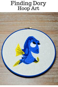 Finding Dory Hoop Art -- Disney DIY art and crafts projects for kids Disney Crafts For Kids, Craft Projects For Kids, Disney Diy, Diy Projects, Craft Ideas, Disney Ideas, Craft Kits, Walt Disney, Diy Arts And Crafts