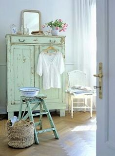 Love the rustic look and mints