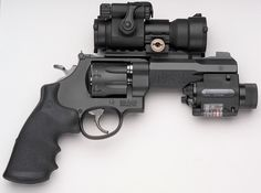 """Smith & Wesson's """"Model M & P R8"""" 
