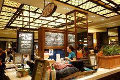 Plaza Food Hall - Luke's Lobster  via brunchwithmybaby.com