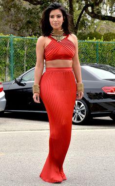 Kim Kardashian wearing a Balmain ensemble at the Roc Nation pre-Grammy brunch. Style Kim K, Her Style, Dope Style, Kardashian Style, Kardashian Jenner, Kim Kardashian Red Dress, Kardashian Photos, Sexy Bikini, Estilo Glamour