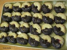 Najvyšší čas začať piecť: 10 receptov na vianočné drobné pečivo Italian Cookie Recipes, Italian Cookies, Oreo Cupcakes, Mini Cupcakes, Christmas Baking, Christmas Cookies, Desert Recipes, Sweet Recipes, Cake Decorating