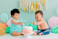 Session One Years.  Baby Twins.  Session Smash The Cake First Birthday  Cake Smash Session Barra da Tijuca - Rio de janeiro. www.lucianathomaz.com
