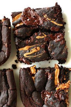 VEGAN BLACK BEAN BROWNIES WITH PEANUT BUTTER SWIRL! minimalistbaker.com #vegan #glutenfree