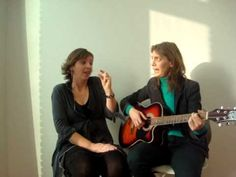 gebarenliedje: Samen spelen, samen delen - YouTube