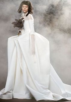 See the Vera Wang Bride Spring 2018 Collection of wedding gowns. The Vera Wang Bride Spring 2018 Collection has classic & modern wedding gowns by Vera Wang. Long Sleeve Lace Gown, Vera Wang Bridal, Tulle Ball Gown, Bridal Fashion Week, Bridal Collection, Spring Collection, Bridal Style, Bridal Dresses, Wedding Gowns
