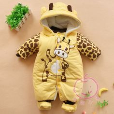2014 new Baby Boys And Girls Jumpsuit Animal Giraffe Print Romper Cotton-padded Clothes = 1929645636 from Bling Bling Deals. Saved to Baby things. Baby Outfits, Newborn Outfits, Winter Baby Boy, Winter Newborn, Jumpsuits For Girls, Girls Rompers, Baby Rompers, Boys And Girls Clothes, Baby Kids Clothes