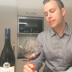 RÖD Wine CEO Johan Hallberg gives us a 1 minute review of Lynx 2015 Petite Syrah Zinfandel for our #WineWednesday. Check it out by clicking this photo!   #RODwine #rodwineco #winetasting #winereview #winelife #wineoclock #winetime #winelovers