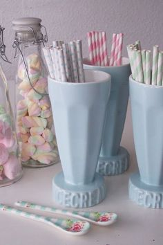 would go great with vintage ice cream party theme!