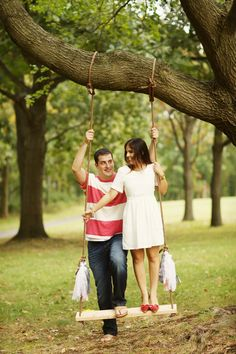 engagement session // rope swing   Photography By / http://alisonconklin.com