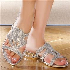 28863245b4351 10 meilleures images du tableau Tongs pour moi   Flip flop sandals ...