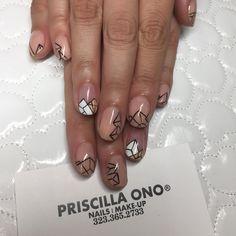 Geo Gel design by #PriscillaOnoSalon artist #Patty #RebelGRL @rebelgrlnails #PriscillaOnoSalon make your appointments +1 (323) 365-2733