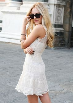 still searching for the perfect white lace dress Lace Summer Dresses, Little White Dresses, Pretty Dresses, Lace Dresses, Dress Summer, Summer Outfits, Dandy, Grunge, Street Style