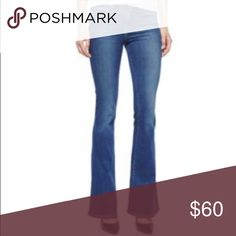 "Frame Denim Le High Flare Jeans Alla Wash Size 30 Frame Le High Flare Jeans in 'Alla' wash, size 30.  91% cotton, 7% Polyester, 2% Lycra.  Waist-15.5"" Rise-10.5"" Inseam-30.5"".  Professionally altered original hem. Frame Denim Jeans Flare & Wide Leg"