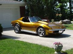 1972 Stingray - Not really a Muscle Car but a Sports Car. Either way it's COOL!