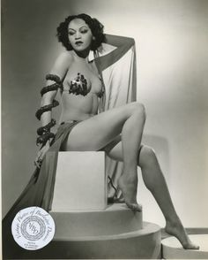 I come across very few pictures of black women in burlesque, which I think is a shame. Thea Garbo is BEAUTIFUL.