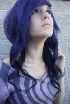 I just like brightly colored hair and the layered hair...it's cool. :D