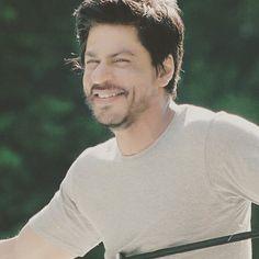 #CUTE #SMILE #dimples #SRK #SHAHRUKHKHAN #kingofbollywood #kingkhan #bollywood