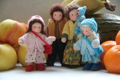 Puppenhaus-Familie Waldorf Stil fünfköpfige Familie von ElineDolls