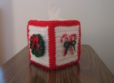 Christmas Tissue Box Cover ~ Free Pattern