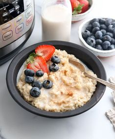 Here's how to cook oatmeal in your Instant Pot! Instant Pot Oatmeal turns out perfectly every time when you follow these tips. #instantpot #oatmeal #healthybreakfast #pressurecooking #instantpotrecipes #glutenfree #vegan #vegetarian #breakfast #detox #easyrecipe Whole Food Recipes, Vegan Recipes, Cooking Recipes, Healthy Meals For Kids, Easy Meals, Healthy Breakfasts, Eat Healthy, Organic Snacks, Breakfast Recipes