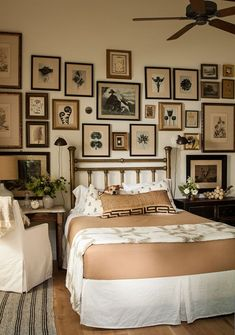 8 Fascinating Bedroom Wall Gallery Decor Ideas That Will Make Your Sleep Better – Home & Apartment Ideas Home Bedroom, Bedroom Wall, Bedroom Furniture, Bedroom Decor, Bedroom Artwork, Bedroom Photos, Master Bedrooms, Bed Room, Wall Decor
