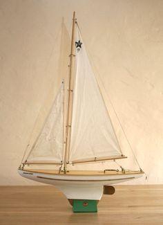 "Vintage SB/2 ""Pacific Star"" pond yacht"